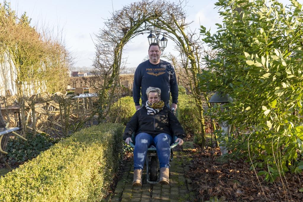 Dave en Inge van der Westen openen op 1 april familiebrasserie De Laegt. FOTO JAN NOORLANDT