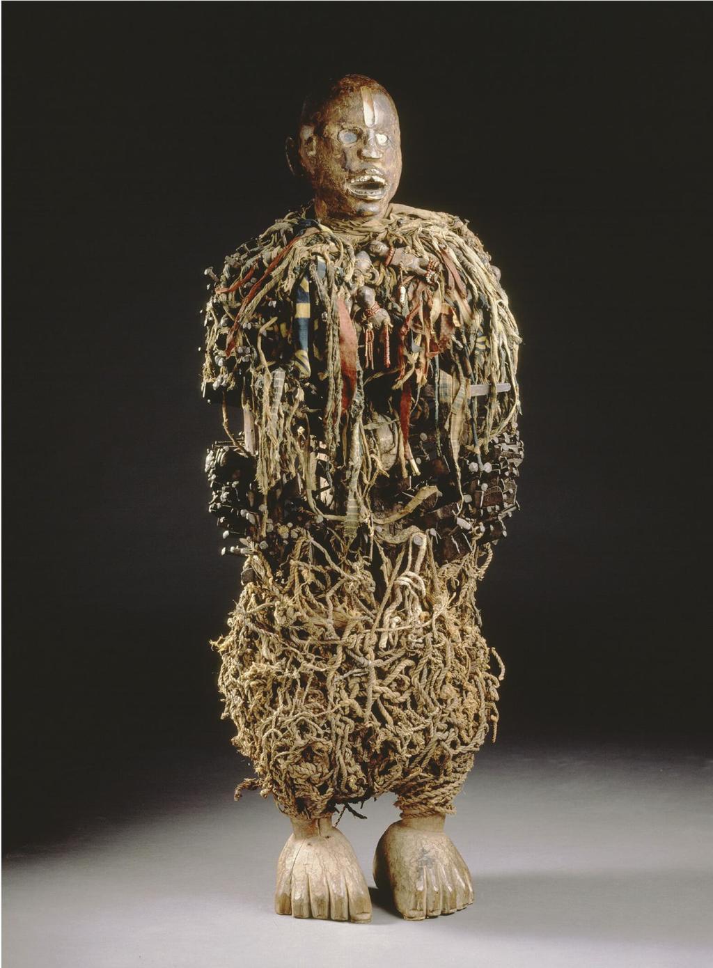 Het spijkerbeeld Nkisi nkonde werd in 1878 meegenomen nadat een dorp door Belgen in brand was gestoken. PLUSJ, RMCA TERVUREN
