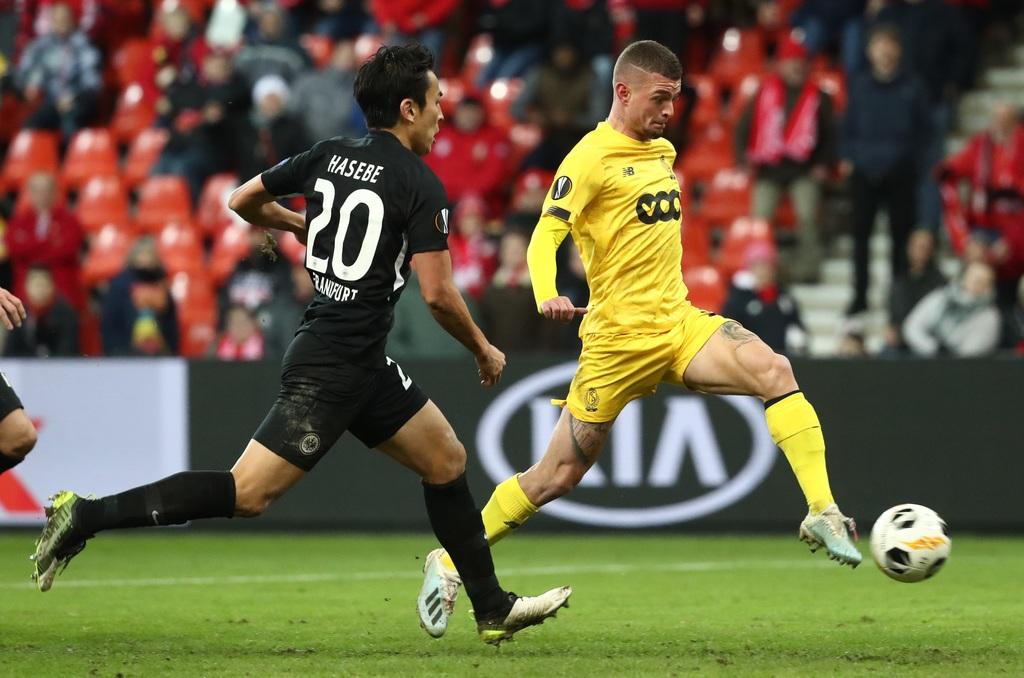 MET DANK AAN MAX | Na een knappe assist van Oulare twijfelt Lestienne niet. Hij trapt de 2-1 op het bord. BELGA