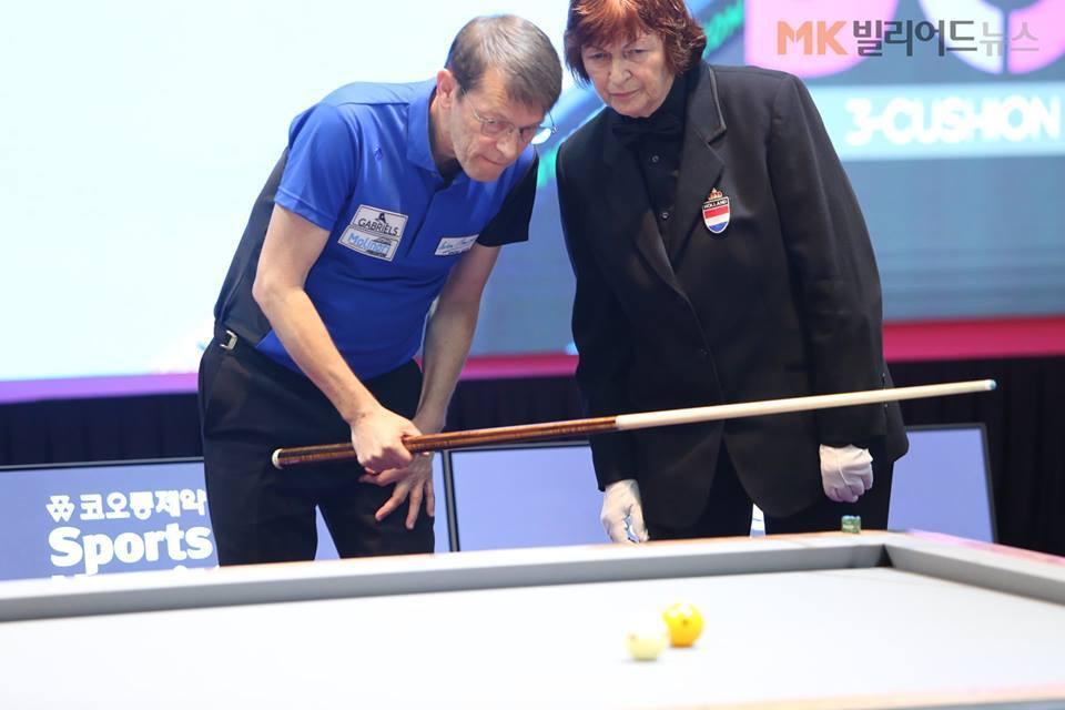 Anja Groeneveld (r) aan het werk in Seoul. FOTO 3CC World Masters