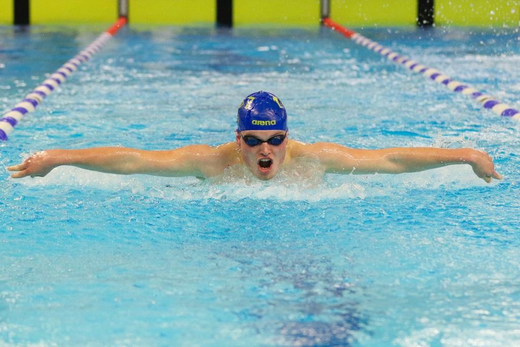 Tristan Kloet (jeugd 2) vlinderde op de 200 meter naar de winst. FOTO Sandy Pleyte